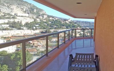 Nice apartment - high floor