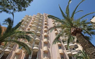 Appartement familial rénové proche du Carré d'Or et des plages