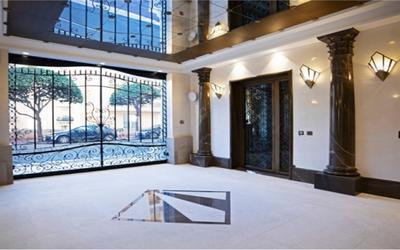 PAVILLON DIANA - Luxueux duplex dans un immeuble recent
