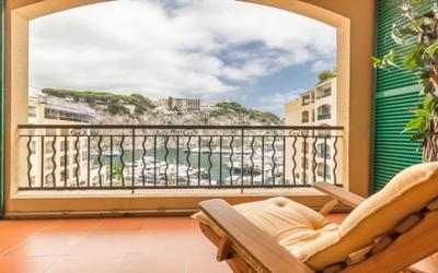Nice 4 roomed apartment in Fontvieille - View on the port of Fontvieille and Rock