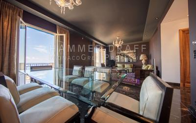 GOLDEN SQUARE : Perfectly situated Seaview-Duplex