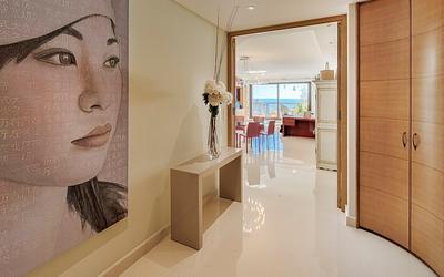Vue impressionnante d'un parfait appartement