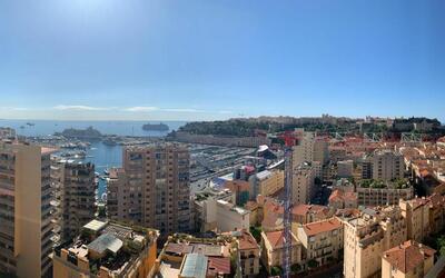 Apartment overlooking the port of Monaco