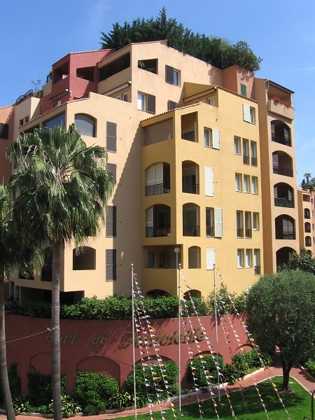 2 bedroom mixed use refurbished apartment, in the quiet Fontvieille area - Uffici in vendita a MonteCarlo