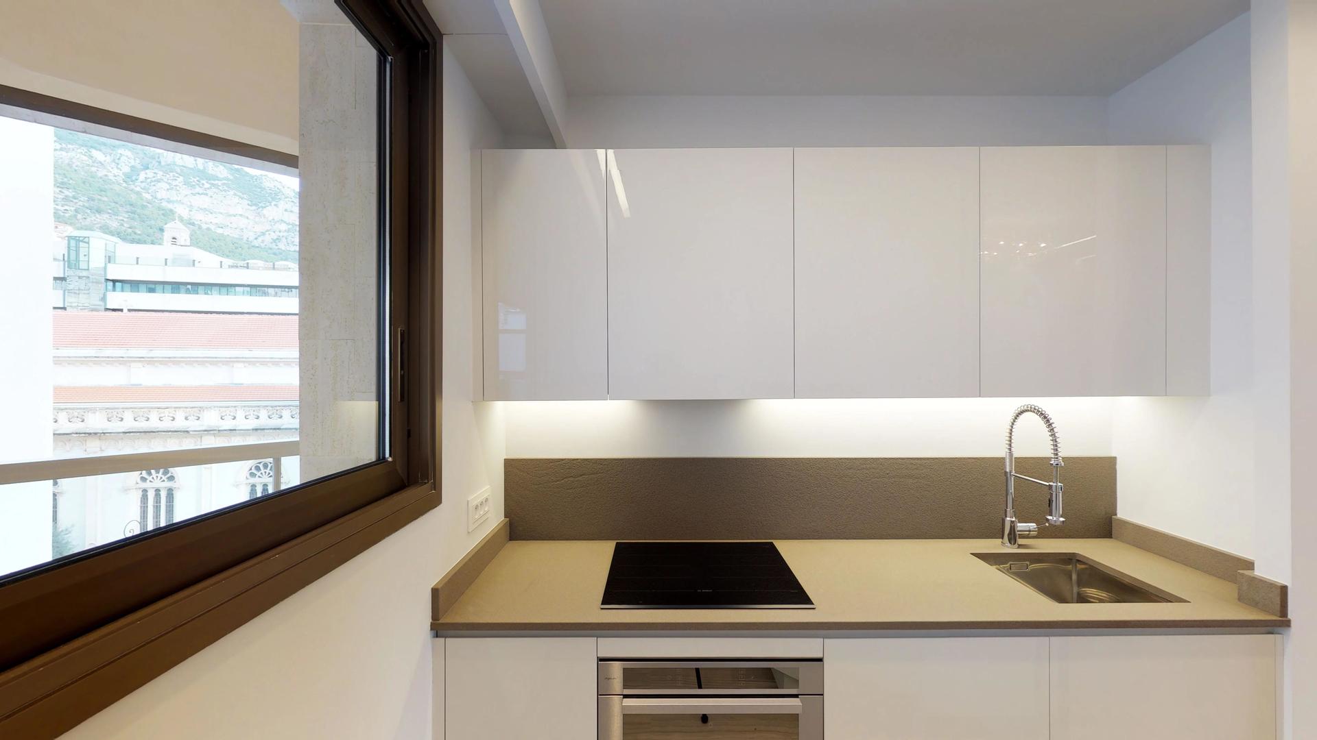 Location magnifique appartement meubl monaco monte carlo for Location monte meuble prix