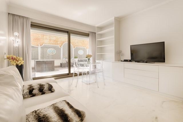 MONTE CARLO, 2 BRIGHT ROOM APARTMENT - Offices for sale in Monaco
