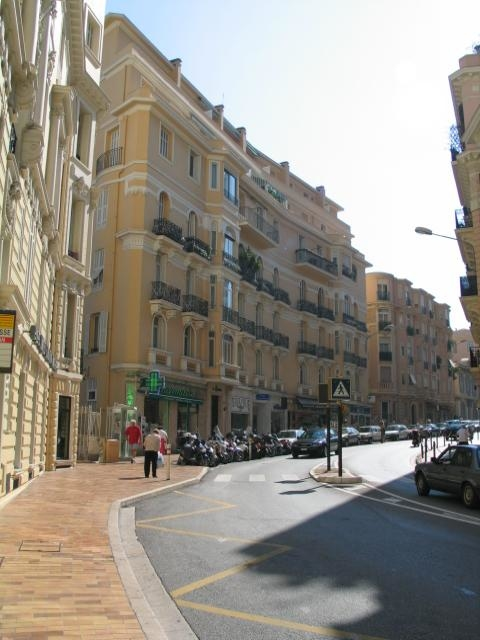 Bd d'Italie: bel immeuble bourgeois avec concierge et ascenseur - Offices for sale in Monaco