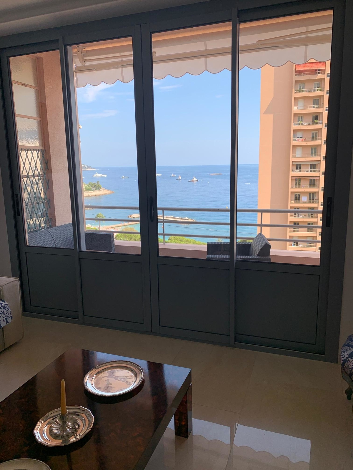 Monaco: Magnifique appartement vue mer situé Place des Moulins - Offices for sale in Monaco