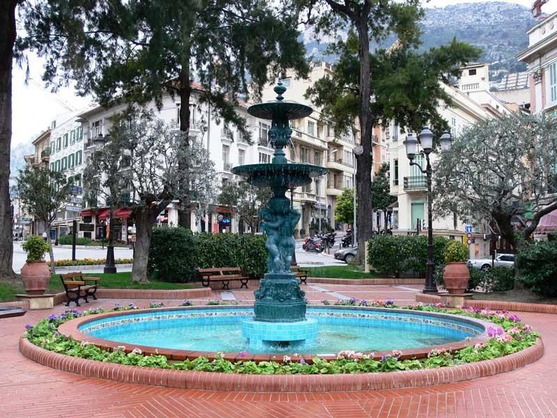 Place d'Armes Monaco: 2 pièces rénové avec balcons - Offices for sale in Monaco
