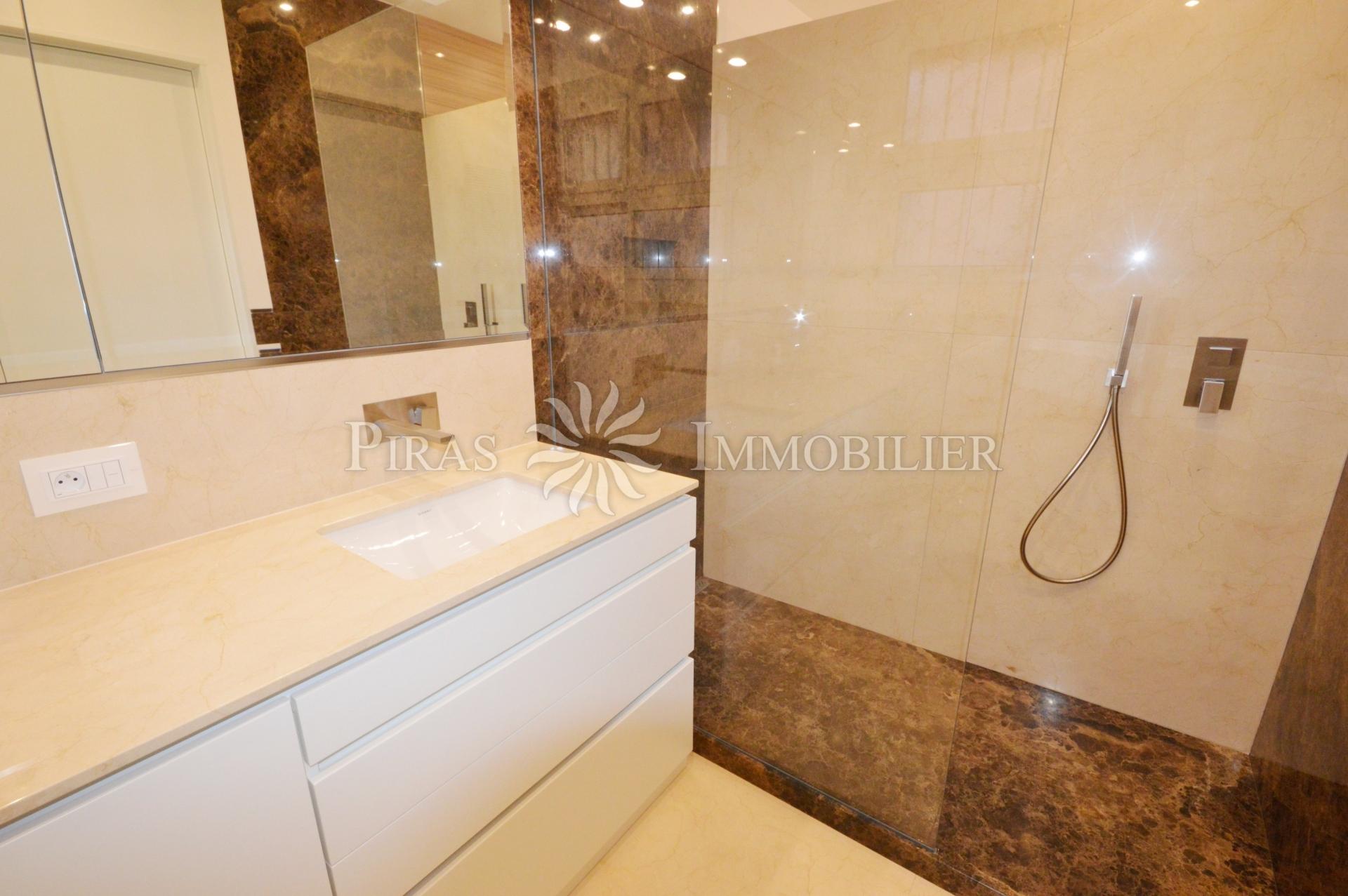 Monte Carlo House - Appartement 2 Pièces - Bureaux à vendre à Monaco