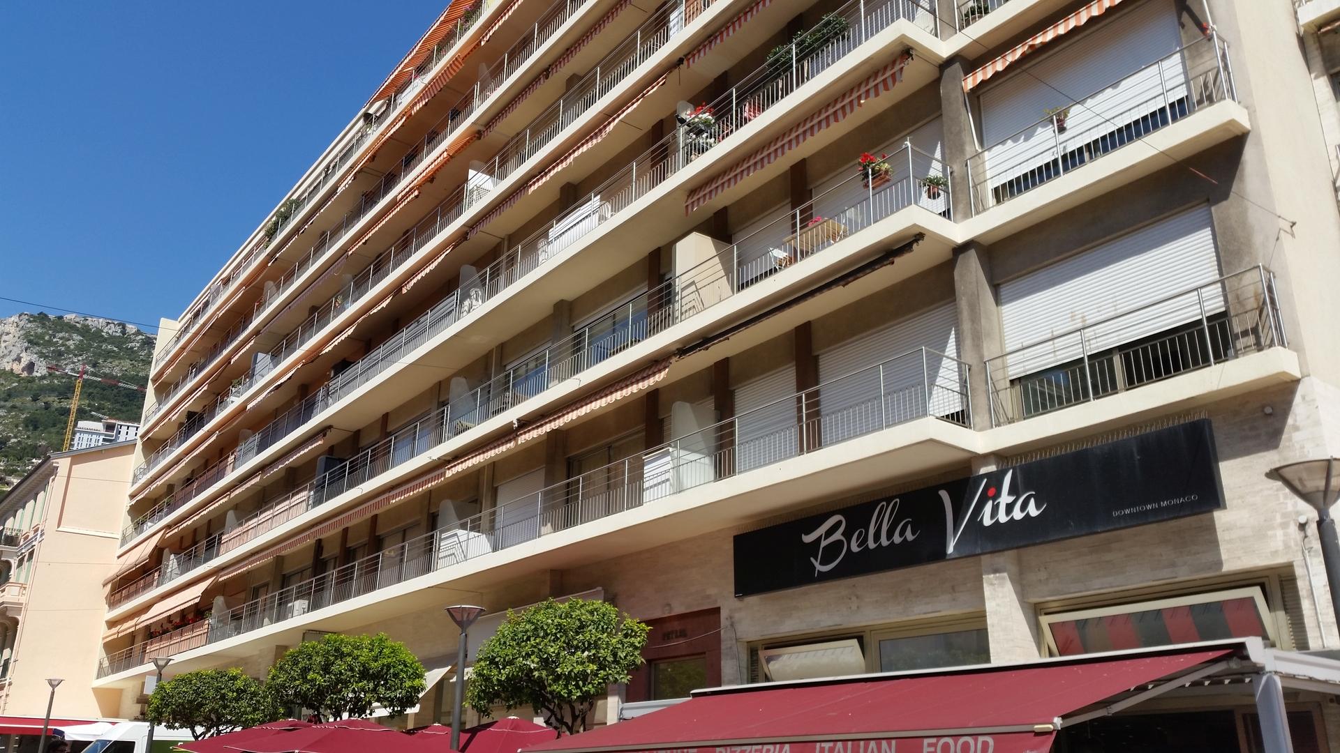 """2 bedroom apartment in """"La Condamine""""/""""Port"""" - Uffici in vendita a MonteCarlo"""