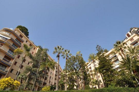 3 rooms apartment-Le Roqueville - Offices for sale in Monaco