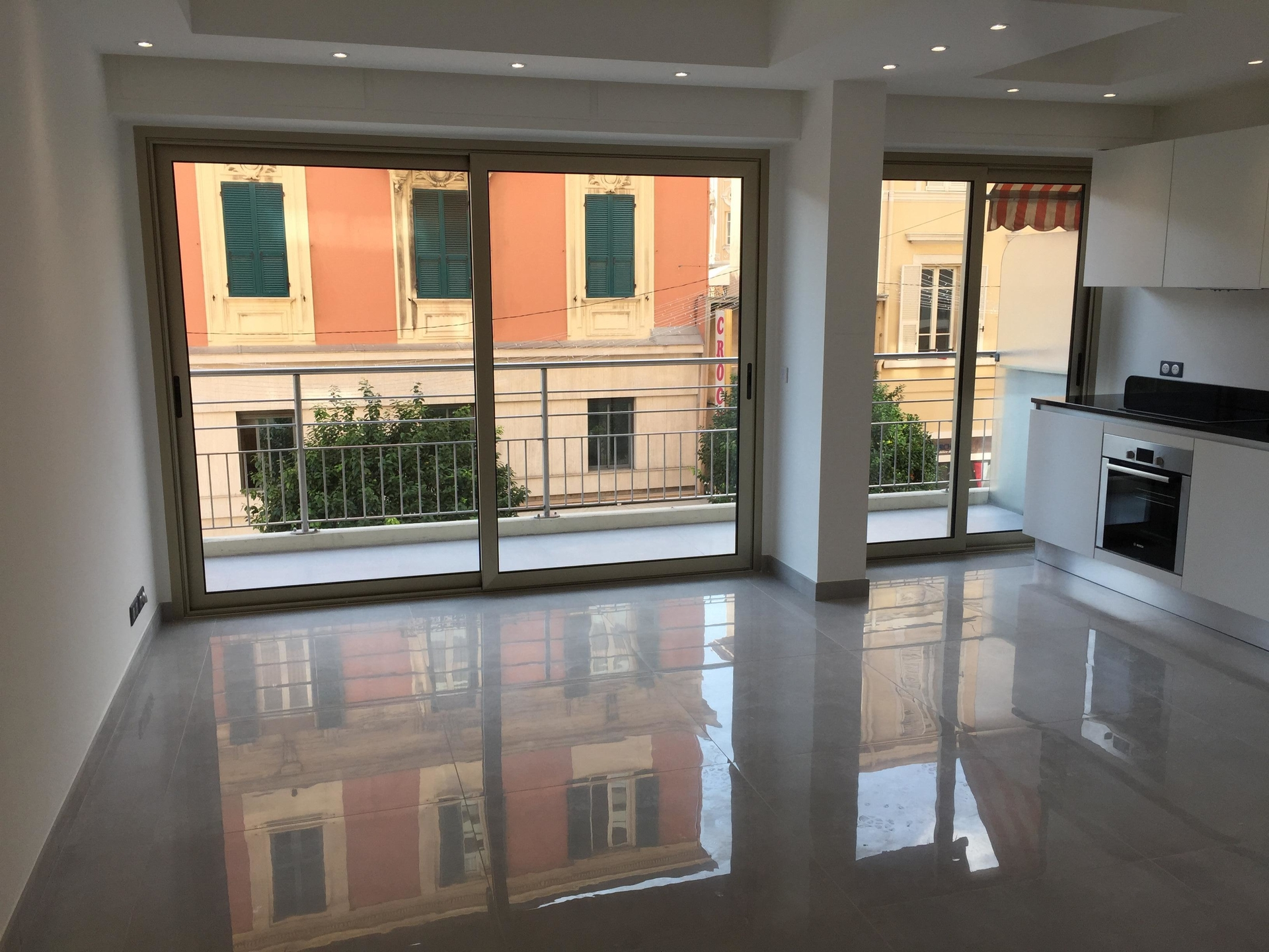 3 room apartment mixed use in the Condamine - Offices for sale in Monaco