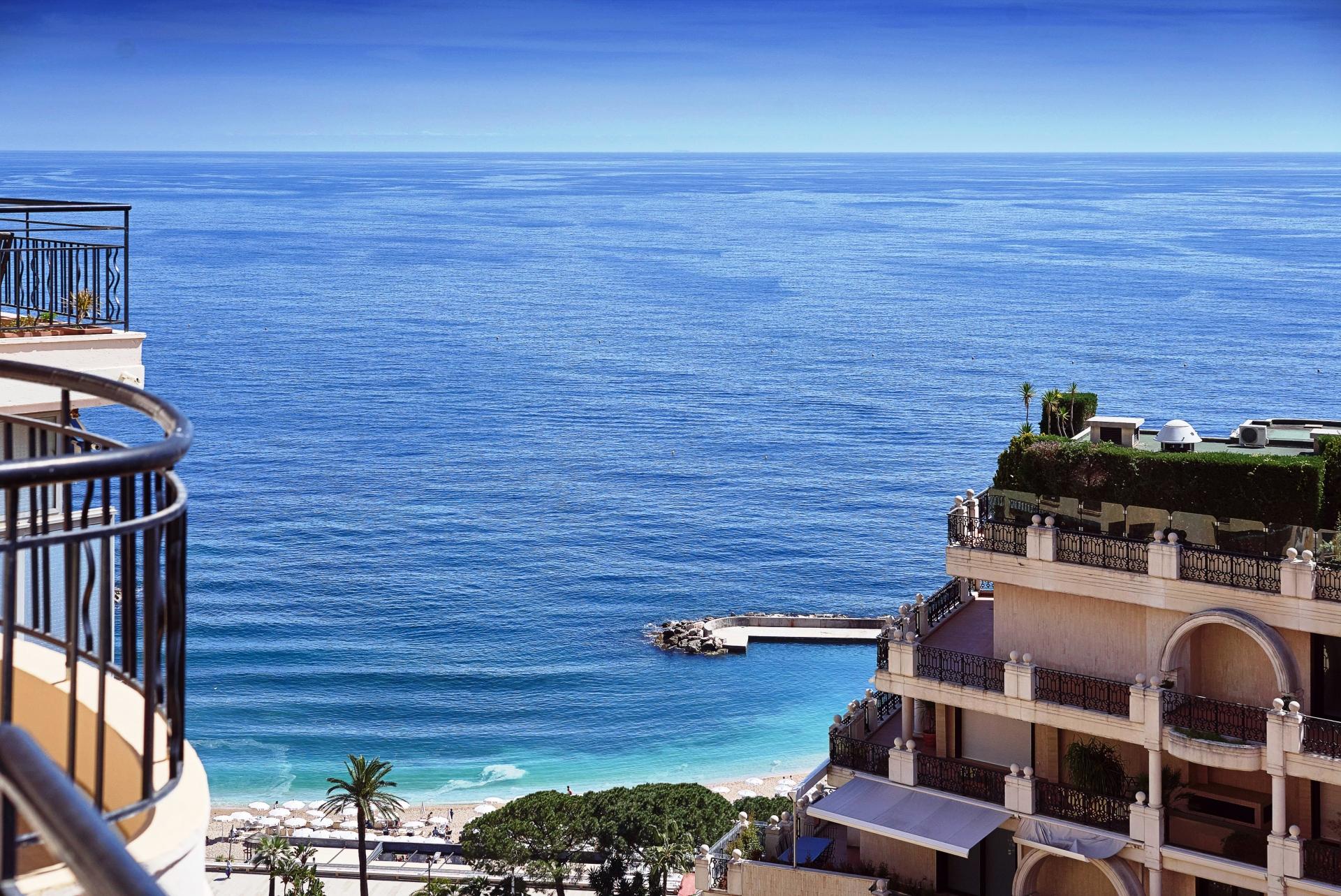 Vente penthouse avec grande toit terrasse vue mer for Toit terrasse immobilier