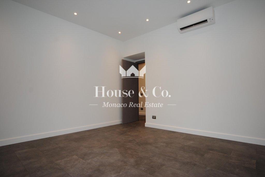 appartement usage mixte bureau de 4 pieces bureaux vendre monaco. Black Bedroom Furniture Sets. Home Design Ideas