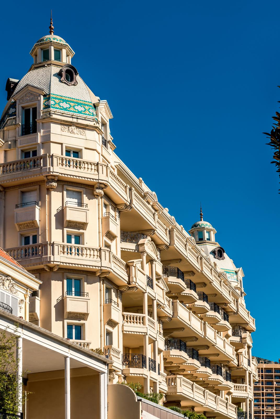 UNIQUE COMMERCIAL LEASE OF 300 SQM - SALE - Sales of commercial spaces