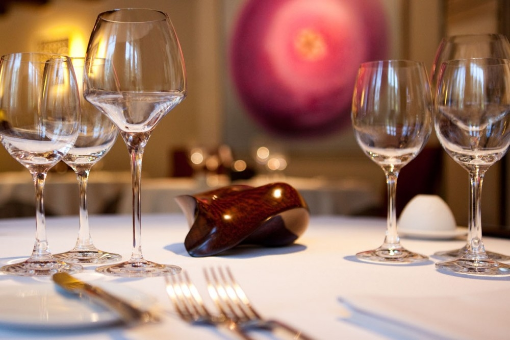 Restaurant : Best Vantage Location Golden Square - Sales of commercial spaces