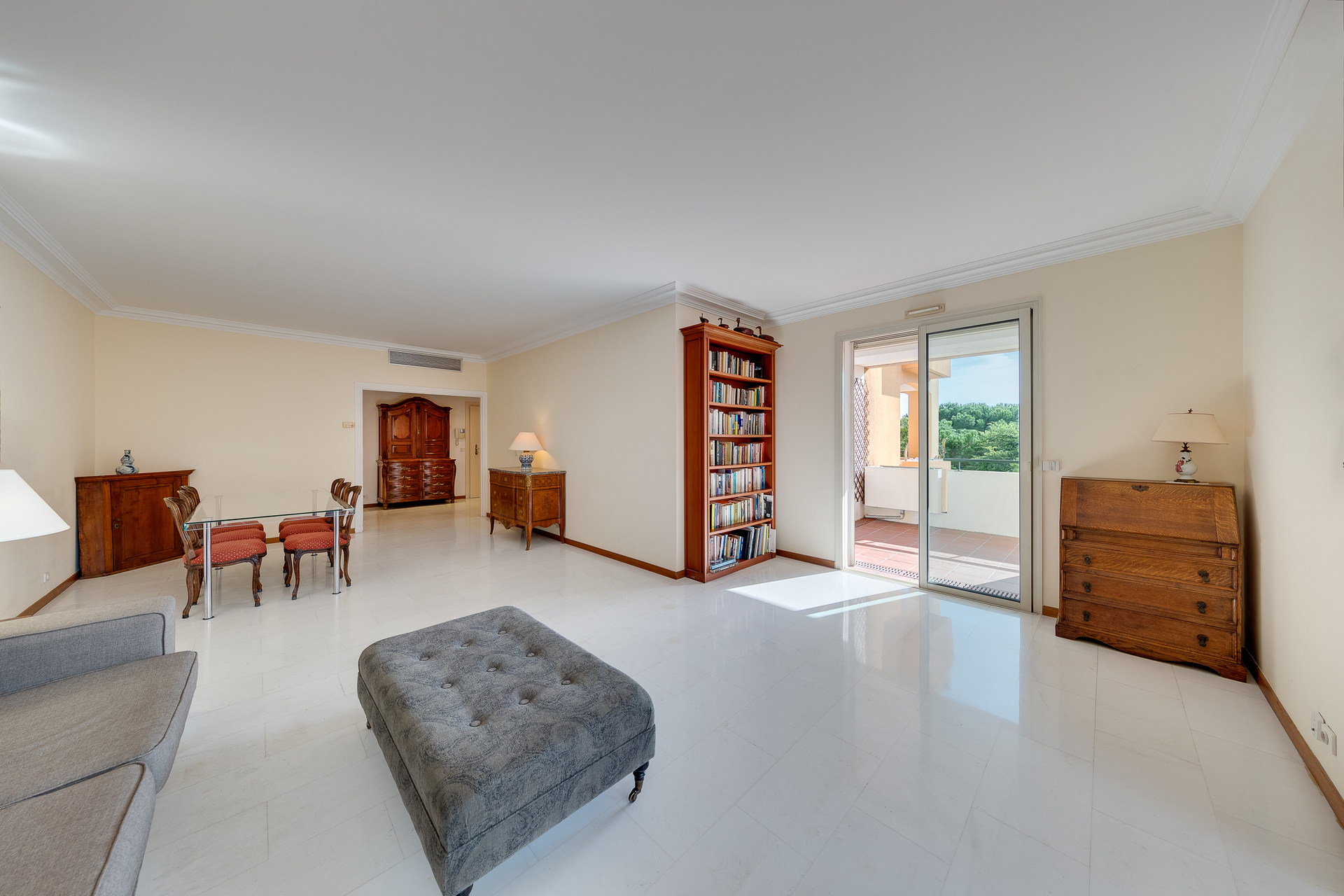 Monte Marina spacious 2 bedroom apartment for sale, possibility to add a 3rd bedroom - Uffici in vendita a MonteCarlo