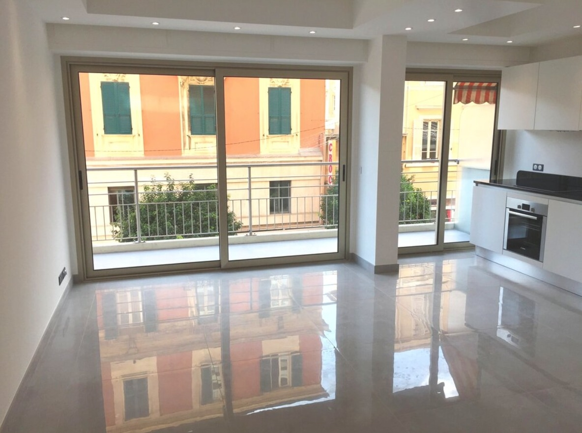 Renovated 3-room apartment in the Condamine - Uffici in vendita a MonteCarlo
