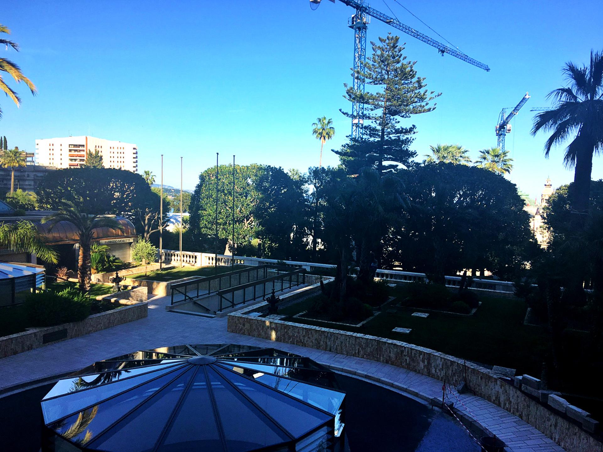 PARK PALACE - Spacieux Studio rénové avec agréable vue jardins - Bureaux à vendre à Monaco