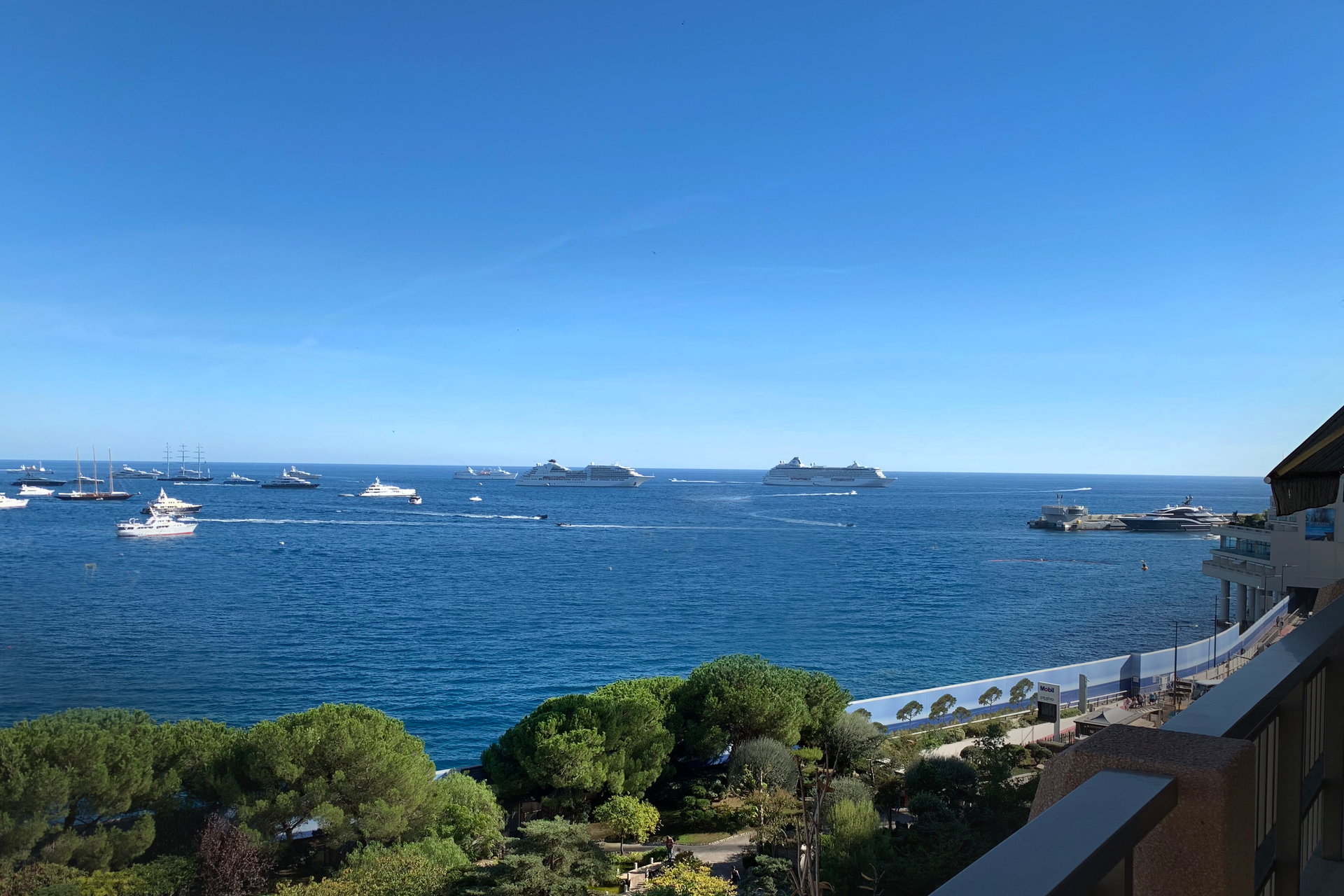 Monaco-Larvotto - Large 4-room apartment - Offices for sale in Monaco