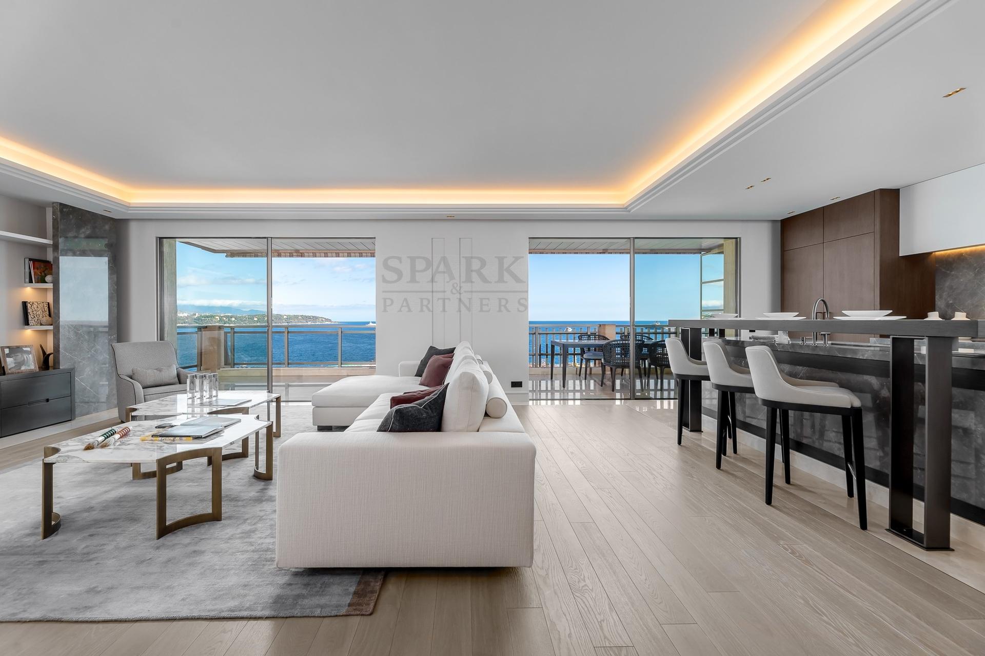 Monaco - 4 rooms luxurious apartment facing Larvotto Beach - Offices for sale in Monaco