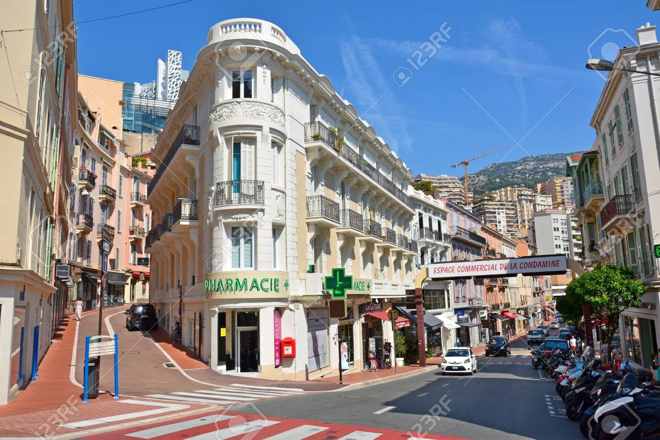 Local avec vitrine - Bureaux à vendre à Monaco