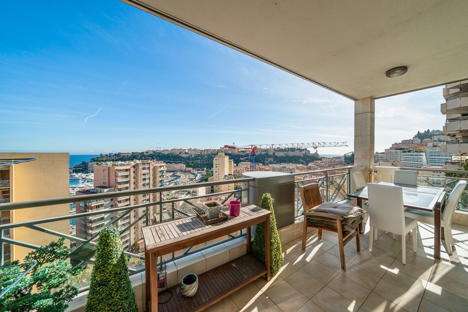 Beautiful 2-3 bedrooms apartment with Monaco harbor and Palace view - Offices for sale in Monaco