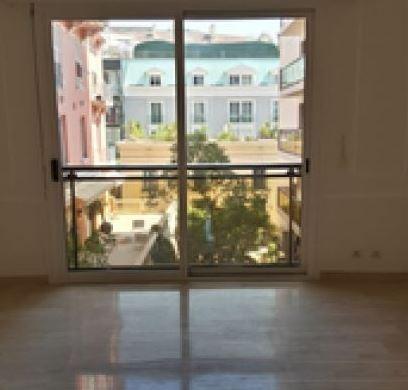 Uffici, negozi e locali professionali in vendita o in affitto a Monaco